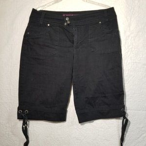 Gloria Vanderbilt black shorts   US (8)